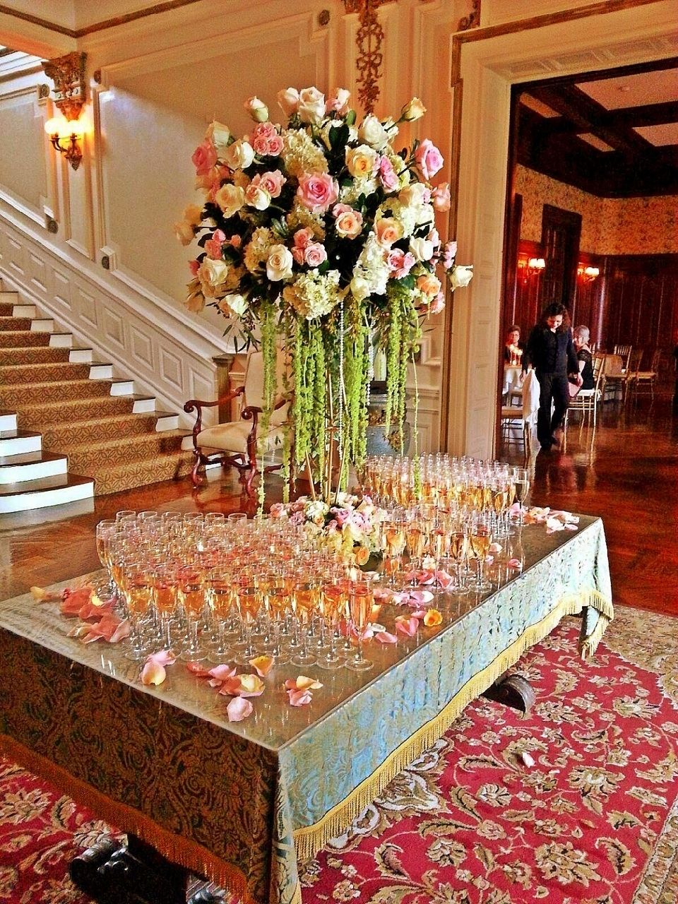 Destination - Italy -Wedding - Planner - Art Of Perfection - Event - Design - Luxury - Blush Flower - Gold Flower - Centerpiece