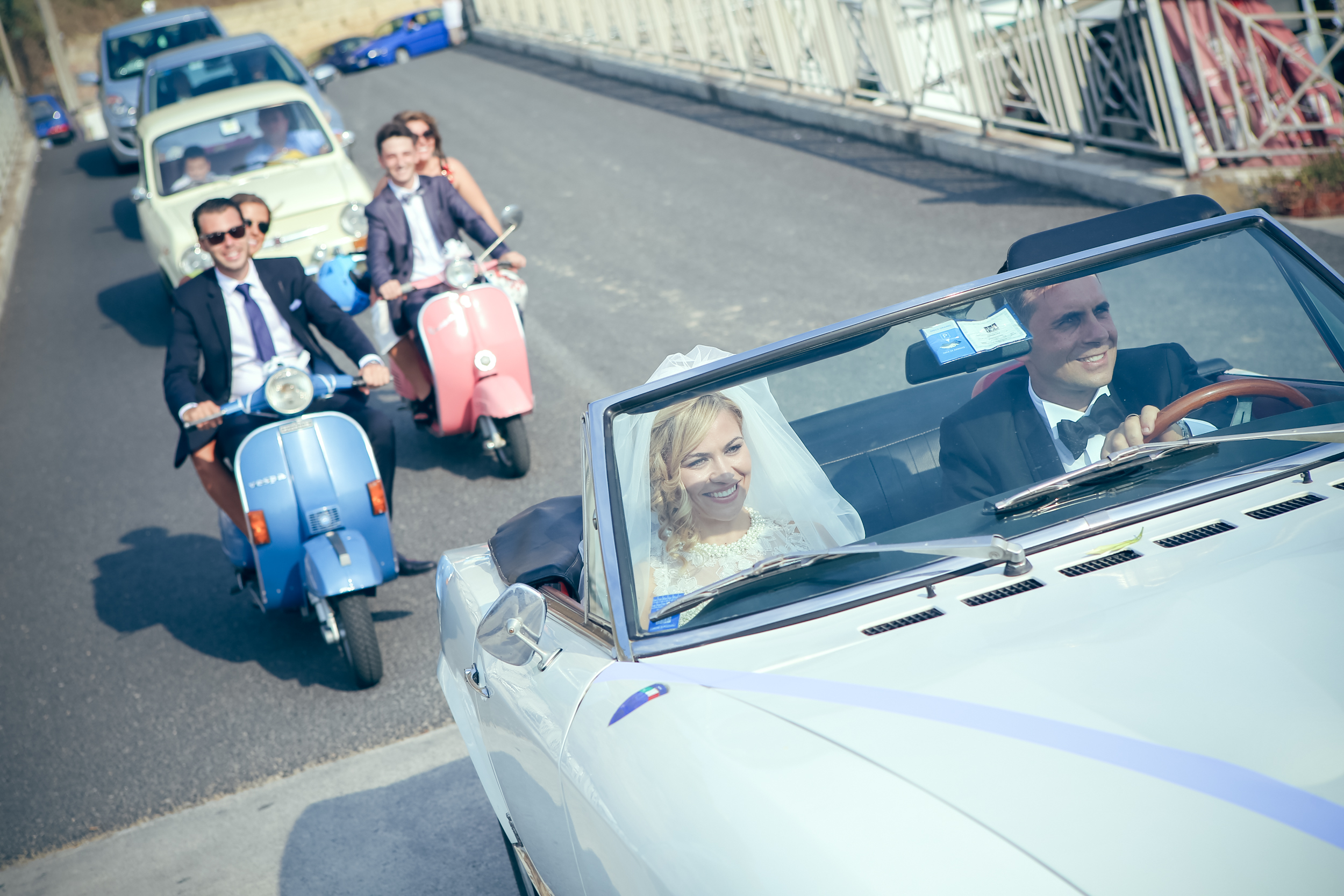 art-of-perfection-event-design-luxury-destination-wedding-planner-italy-connie-antonio-car-vespa